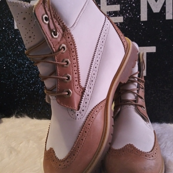 ad4f98c5d79 TIMBERLAND BROGUE BOOTS WMS SIZE 8 LIKE NEW